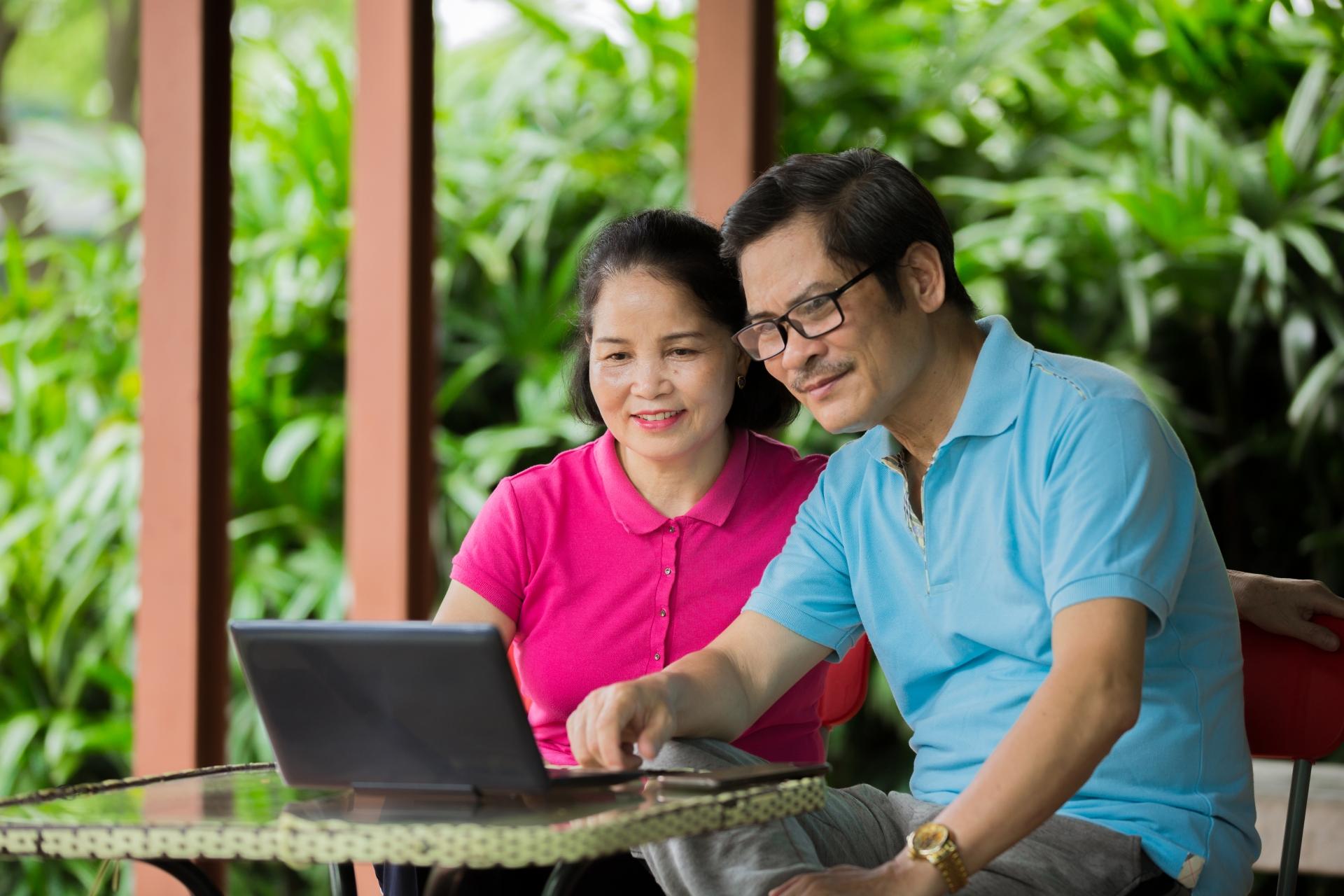 夫婦でサイト運営